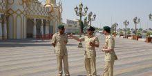 شرطة مرور دبي تدعو زوار القرية العالمية للتعاون مع رجال الشرطة