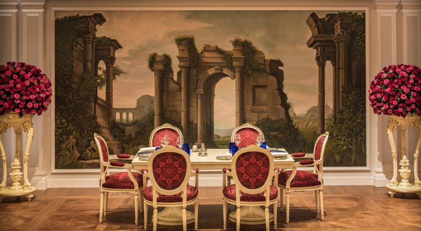 فندق بلازو فيرساتشي بدبي