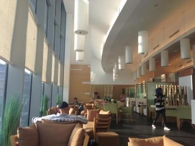 مطعم مقهى كينوز – دبي مول