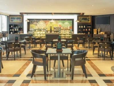 مطعم لا تراس- بر دبي