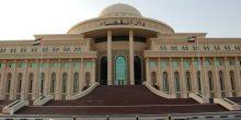 مراهق يسرق المال من صندوق تبرعات داخل مسجد