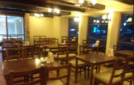 مطعم لا بريوش – الخالدية