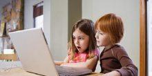 دراسة تأكد ضعف مراقبة الأولياء لأنشطة أطفالهم على الأنترنت