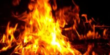 شاب يشعل النار في منزل ذويه بالشارقة رغبةً في الانتحار