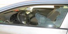 القبض على شخصين متهمين بإتلاف وسرقة مقتنيات من سيارات في العين