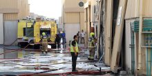 """الدفاع المدني في دبي يسيطر على حريق في ثلاث مستودعات في """"دبي للإستثمار"""""""