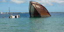 الشارقة | غرق سفينة ووفاة 3 أشخاص بسبب الرياح