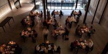 بالفيديو | عشاء رومنسي مع نفسك في مطعم INKED بدبي