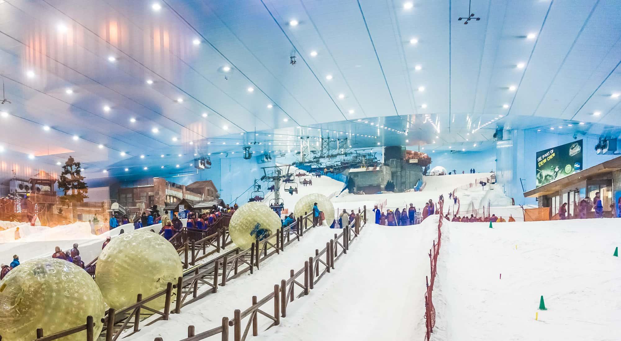 التزلج على الجليد في دبي