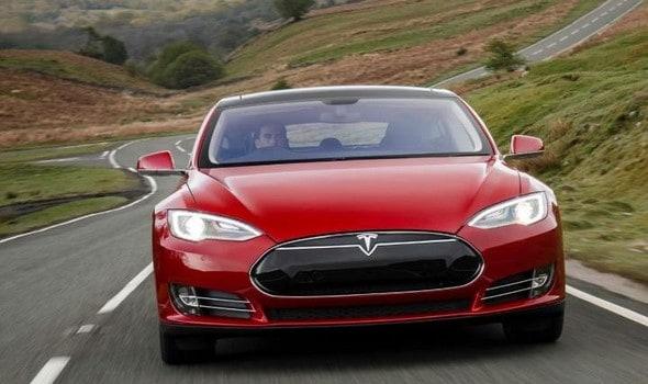 مواصفات سيارات تسلا الكهربائية