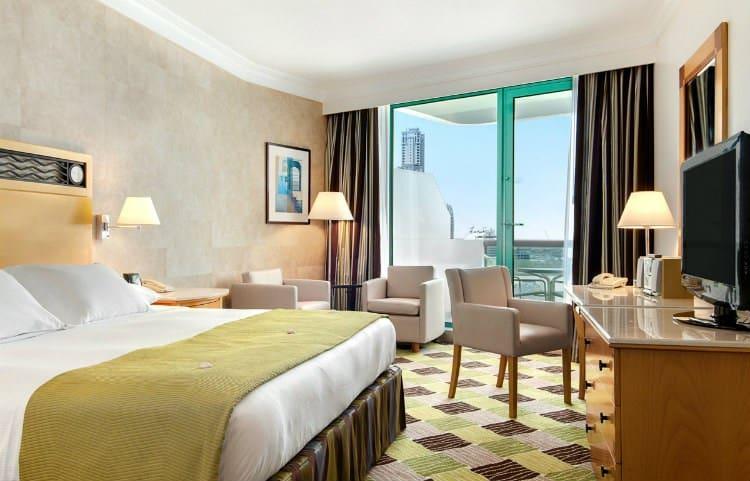 فندق هيلتون دبي