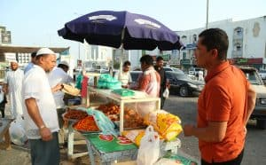 Sambosa Market in Fujairah , people coming here to buy sambosa and other food items for aftaar , June 07 2016. Photos by Zeeshan Ahmed