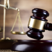 جنايات أبوظبي تأمر بالسجن 10 سنوات لأب متهم بقتل ابنه الرضيع