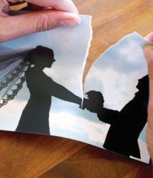 تطلب الطلاق بسبب عدم احتفال زوجها بعيد ميلادها