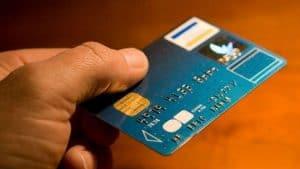 كيف تحمي بيانات بطاقتك البنكية في الإمارات؟